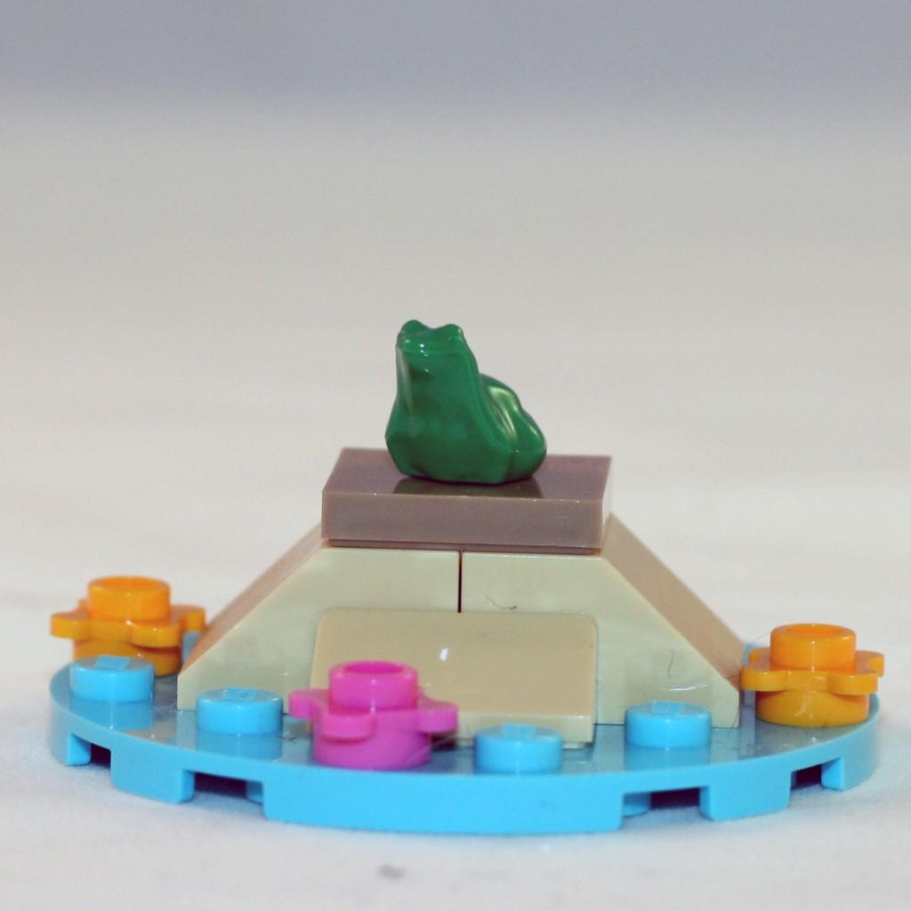 LEGO_Ariel_Frog